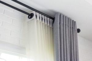 本日焼け防止遮光カーテン
